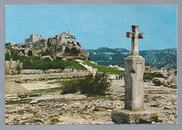 FR.- LES BEAX DE PROVENCE. Vue Générale Sur Les Ruines Et Les Cavernes Des Troglodytes - Les-Baux-de-Provence