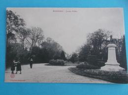 17 :MARENNES ; Le JARDIN PUBLIC , Animée, C.P.A.,carte En Bon état - Marennes