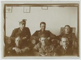 (Aviation) Groupe D'aviateurs . Insigne Homme (indien ?) Bandant Un Arc . - Aviation