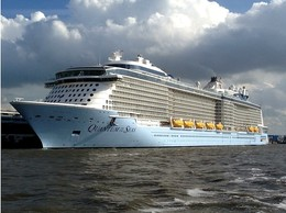 "Ship Postcards - Passenger   Ship : ""Quantum Of The Seas   ""      Read Description - Schiffe"