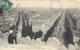 75 PARIS PANORAMA PRIS DE L'ARC DE TRIOMPHE SUR L' AVENUE FRIEDLAND ET LES CHAMPS ELYSEES Editeur: LEVY Ll 1106 - Arc De Triomphe