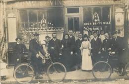 PARIS CARTE PHOTO RESTAURANT AU COCHER FIDELE  A DROITE PUBLICITE PALAIS DES GLACES - France