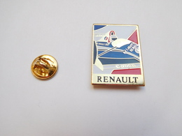 Beau Pin's , Auto Renault F1 , Carburant ELF , Biére Labatt's - Renault