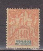 MADAGASCAR          N°  YVERT  :    37     NEUF AVEC  CHARNIERES      ( Ch 1/32  ) - Nuevos