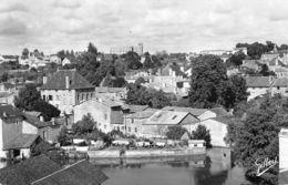 Civray (86) - Vue Générale - Les Bords De La Charente - Civray