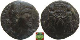 Roman Empire - AE Centenionalis Of Magnentius (350 – 353 AD), VICTORIAE DD NN AVG ET CAES, Two Victories - 7. Der Christlischen Kaiser (307 / 363)