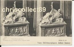 Carte Postale Vue Stéréoscopique Julien Damoy  Série N° 35: Notre Dame De Paris - Tombeau De L'Achevèque Denis - A Affre - Stereoscopische Kaarten