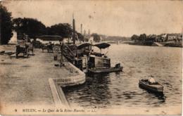 MELUN QUAI DE LA REINE BLANCHE ,JOLI PLAN ANIME ,PENICHE ,A VOIR !!!! REF 59130A - Houseboats