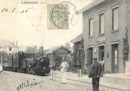Gare De LASSIGNY   OISE Très Animée 1908 - Gares - Avec Trains