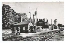 76 - AUFFAY - La Gare Et Le Silo - CPSM - Auffay