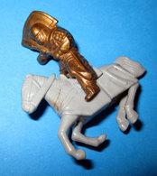 K97 N69 KNIGHT CAVALIERE   KINDER - Metal Figurines