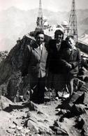 Photo Originale Famille Au Pic Du Midi En Avril 1949 - Lieux