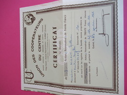 Certificat De 3 Actions Nominatives  De Trente Francs/ Union Des Coopérateurs Du Centre / Guéret / Creuse/1965    ACT240 - Banco & Caja De Ahorros