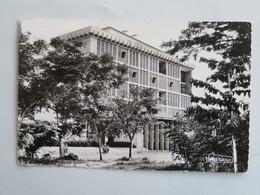 C.P.A. : CONGO BRAZZAVILLE : BRAZAVILLE : Banque Société Générale, Timbre En 1959 - Brazzaville