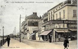 85  LES SABLES  D' OLONNE  -PROMENADE DUREMBLAI  , ( GRAND  BAZAR Du REMBLAI ) - Sables D'Olonne