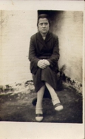 Vecchia Foto Con Donnina - 1926 - Formato Piccolo  Non Viaggiata – At1 - Non Classificati
