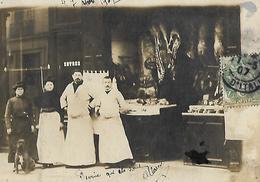 PARIS ? Carte Photo Non Située Boucherie Gros Plan 1907 - Photographie