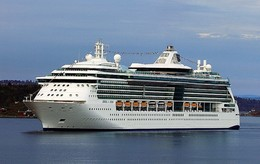 "Ship Postcards - Passenger   Ship : ""Jewel Of The Seas    ""   Read Description - Unclassified"
