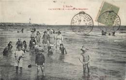 CPA 11 Aude LA NOUVELLE Groupe De Baigneurs Enfants Plage - Port La Nouvelle