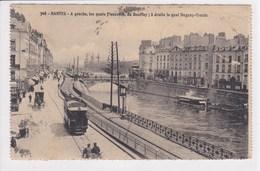 44 NANTES N° 368 Les Quais , Passage Tramway Avec Publicité Quinquina - Nantes