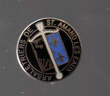 Pin's TIR A L'ARC.ARBALETE.ARBALETRIERS DE ST-AMAND LES EAUX PAR MB....BT10 - Tir à L'Arc