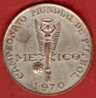 ** MEDAILLE  FOOT  MEXICO  1970 ** - Abbigliamento, Souvenirs & Varie