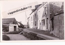 CPA - 29 - BOURG-BLANC - Une Vue Du Bourg PHARMACIE Du Village Vers 1940 1950 - CARTE RARE Photo Glacée - - France
