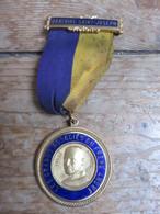 Médaille LES GRANDS ASSOCIES DU FRERE ANDRE - Religion & Esotericism