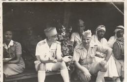 Photo. Militaire : L'ile De BEUTRE - Cochinchine : Sous La Tente - 1947 - Format 8,7cm X 5,8cm - Guerra, Militari