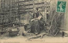 - Haute Corse -ref-B361- La Cuisine En Plein Air - Femmes - Types - Folklore - Leger Pli En Coin Haut Droit - - France
