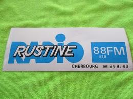 Autocollant RADIO FM RUSTINE CHERBOURG 88 TRES ANCIEN  18cm.. Neuf Non Décollé - Pegatinas