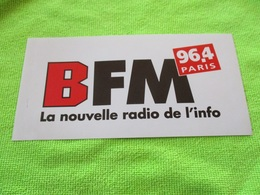 Autocollant RADIO FM BFM 96.4 PARIS LA NOUVELLE RADIO DE L'INFO...16cm. Neuf Non Décollé - Autocollants
