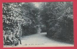 Ath -Vue Dans Le Parc ... Vieillards Sur Un Banc -S.B.P. - 1901 ( Voir Verso ) - Ath