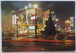 LONDON UK - PICCADILLY CIRCUS - Max Factor, Gordon Gin, Grant's Scotch Whiskey, Embassy Cigarettes, Spearmint  Vg - Piccadilly Circus
