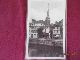 CPSM - Honfleur - Les Quais Et Le Musée - Honfleur