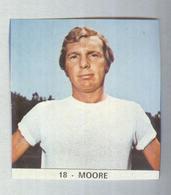 BOBBY MOORE...ENGLAND CALCIO....MUNDIAL....SOCCER...WORLD CUP....FOOTBALL....FIFA - Tarjetas