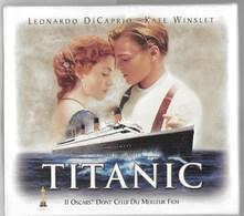 COFFRET PRESTIGE  VHS TITANIC (8 Photos -pellicule-clip Celine Dion) - Drame