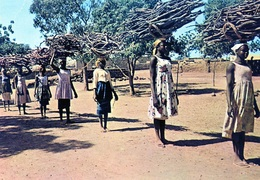 Afrique - BURKINA FASO Haute Volta La Corvee Du Bois ( Rare Et Unique Sur Delcqmpe) - Burkina Faso
