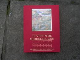 Boek Leven In Middeleeuwen - Livres, BD, Revues