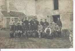 CPA Photo: GROUPE DE SOLDATS ( Photographie PASTANT - COULOMMIERS ) BON PLAN - Coulommiers