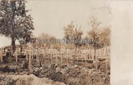 CARTE PHOTO ALLEMANDE  ROMAGNE 1916 FRIEDHOF CIMETIERE TOMBES - France