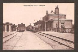 - Dozulé-Putot (14 Calvados )  La Gare Avec Trains (édition Férey ) - Sonstige Gemeinden