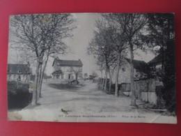 LOUROUX BOURBONNAIS - ( Allier ) Place De La Mairie - Autres Communes