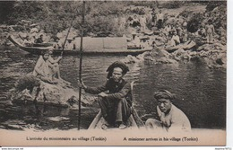L'arrivée Du Missionnaire Au Village (Tonkin) - Vietnam