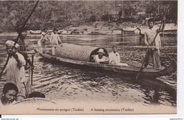 Missionnaire En Pirogue (Tonkin) - Vietnam