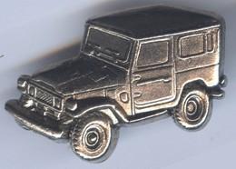 BIG Pin's 3D Relief Tirage Limité 300 Ex - VOITURE  TOYOTA LANDCRUISER - Toyota