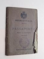 Regno D'ITALIA PASSAPORTO Per L'Estero ( MAGNAINI Lorenzo > 1883 ) +++ Extra DOCU 1920 ( 2 Biglietto ITALIA 1934 > NY ) - Old Paper