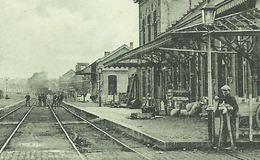 Dour La Gare (Passage à Niveau, Réverbère Sur La Droite) - Dour
