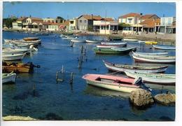 CPSM 10.5 X 15  Bouche-du-Rhône FOS-SUR-MER Le Port De St Gervais  Barques - France