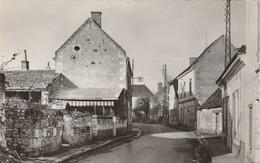 LUZILLE , Entrée Du Bourg ;  Route De Bléré - Bléré